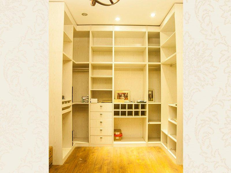 Ivory white solid wood wardrobe  DS-WD001